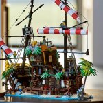 LEGO Ideas 21322 Pirates of Barracuda Bay Featured